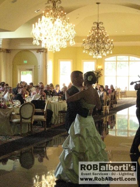 Elizabeth Matt S Wedding Reception At The Riverview In Simsbury Ct Rob Alberti Event Services 413 562 2632