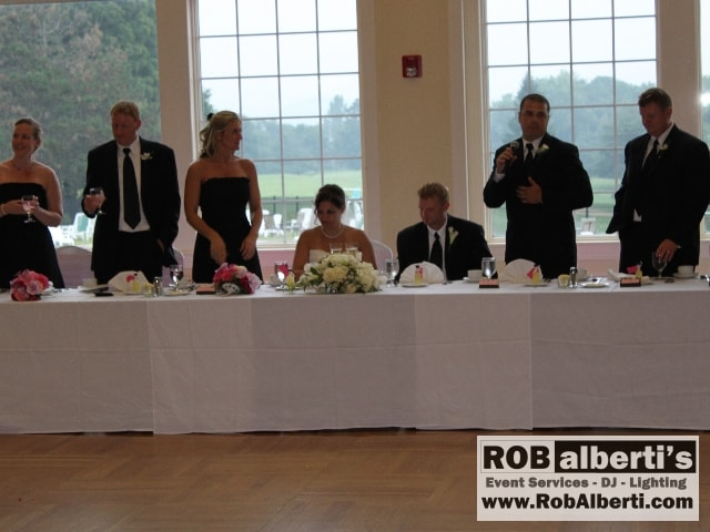 Does the best man toast at rehearsal dinner