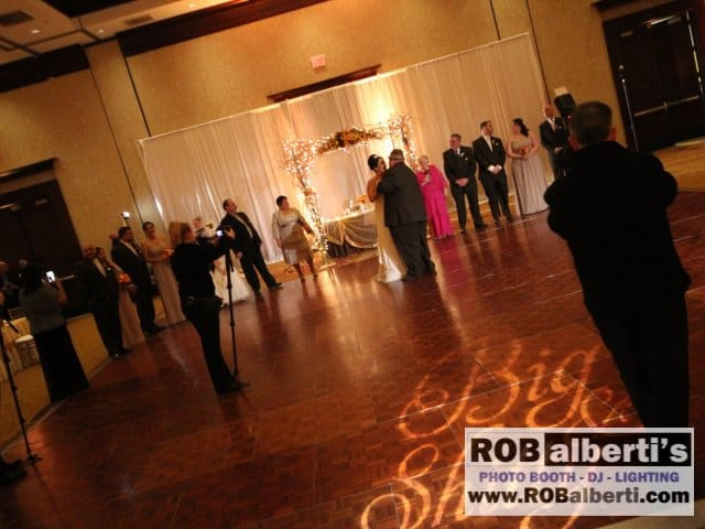 Crowne Plaza Warwick RI Wedding Lighting -0 IMG_7441- www.robalberti.com