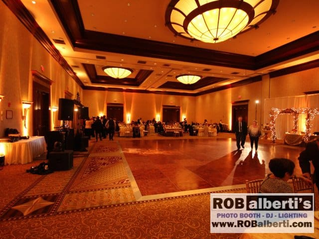 Crowne Plaza Warwick RI Wedding Lighting -0 IMG_7463- www.robalberti.com