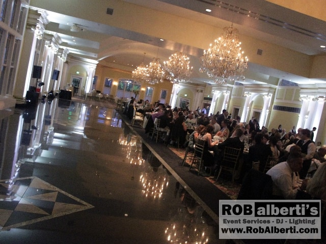The Riverview - Stark White Up-lighting on columns
